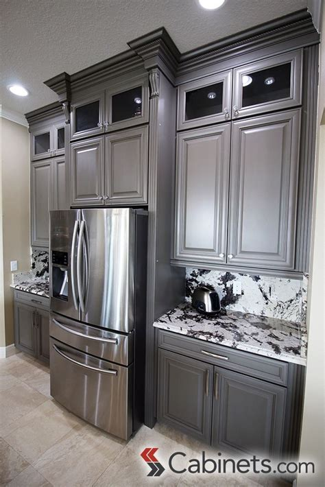 shaker kitchen cabinets 17 best images about gray cabinets on base 5162