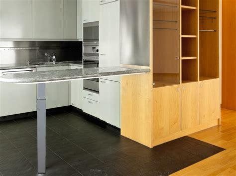 pied de table de cuisine plan de travail cuisine sur pied re table bar communaut