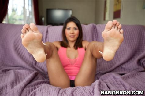 Feet Loves - YOUX.XXX