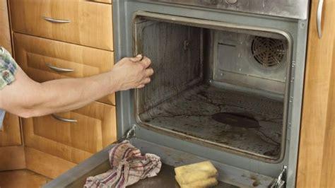Backofen Reinigen Mit Hausmitteln by Backofen Reinigen Hausmittel Die Den Ofen Wieder Zum