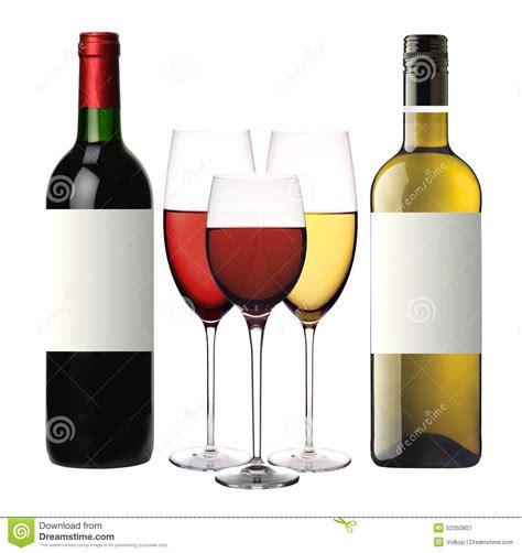 bicchieri di rosso bicchieri di con rosso e bianco e le bottiglie