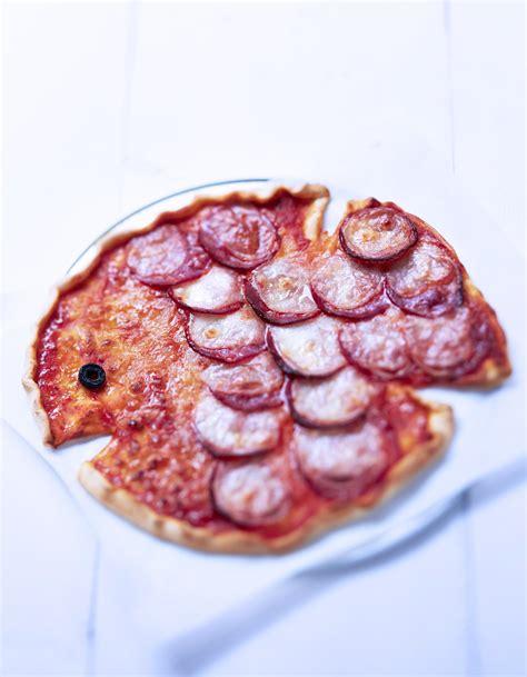 forme cuisine pizza en forme de poisson pour 4 personnes recettes