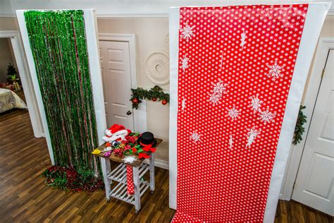 Diy Photo Backdrop With Wrapping Paper by Diy Photo Booth Home Family Hallmark Channel