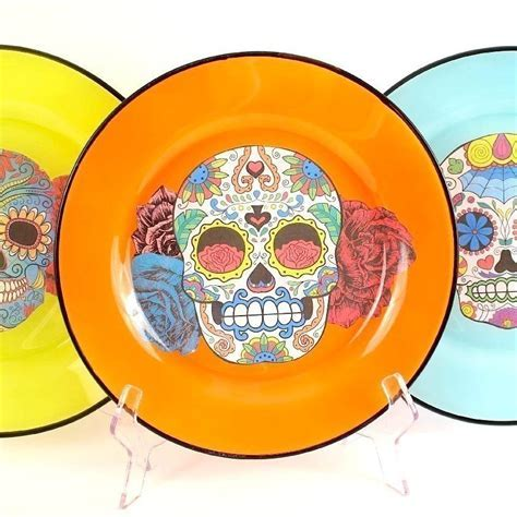 Sugar Skull Plates · How To Make A Plate · Decorating on