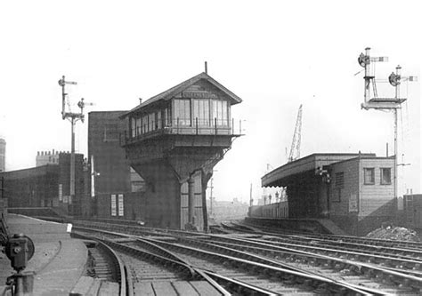 disused stations stepney east station