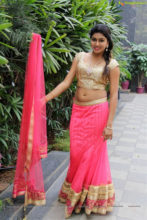 navel thoppul low hip show in saree page 222 xossip