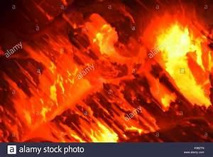 Holzkohle Im Kamin : charcoal embers stockfotos charcoal embers bilder alamy ~ Frokenaadalensverden.com Haus und Dekorationen