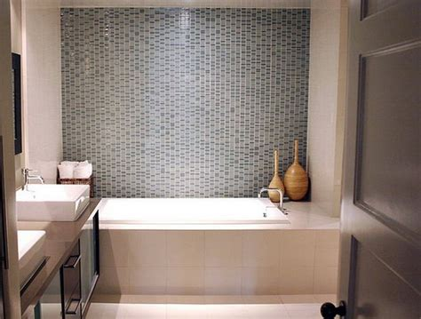 5 Decorating Ideas For Small Bathrooms