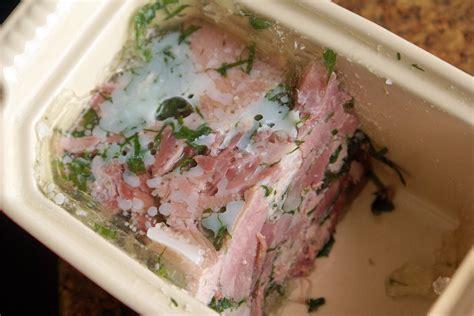 cuisiner un jarret de porc terrine de jarret de porc en gelée recette de jarret de