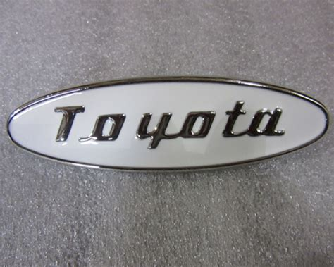 Reproduction Early Emblem For Toyota Land Cruiser Fj25