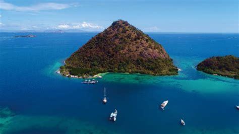 ayana reveals  luxury resort  komodo indonesia