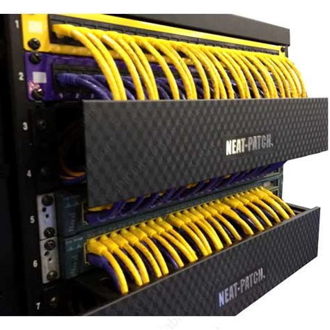 chambre am駭agement neat patch patch panel cable management rack cableorganizer com