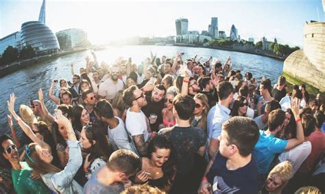 tonight summer sunset boat party   thames londonist