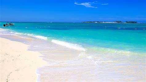 Cable Beach in Nassau,