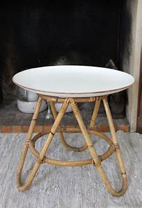 Table Basse Rotin : 27 best ideas about rotin furniture on pinterest vintage atelier and 60s style ~ Teatrodelosmanantiales.com Idées de Décoration