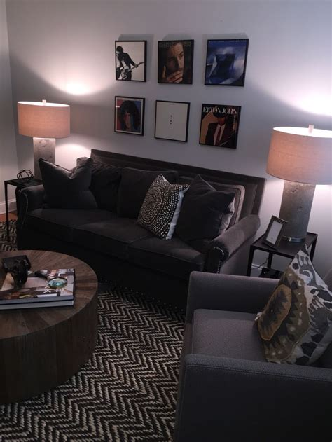 Apartment Bedroom Ideas For Guys by Best 25 S Apartment Decor Ideas On