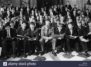 Music - Benjamin Britten - Wandsworth School Boy's Choir ...