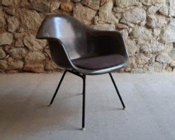 Ray and Charles Eames Fiberglas Stuehle | Design Ikonen