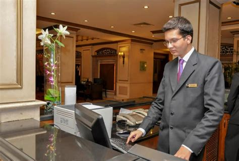 Hotel Front Desk Salary by Hotel Manager Career Salary It S Nacho