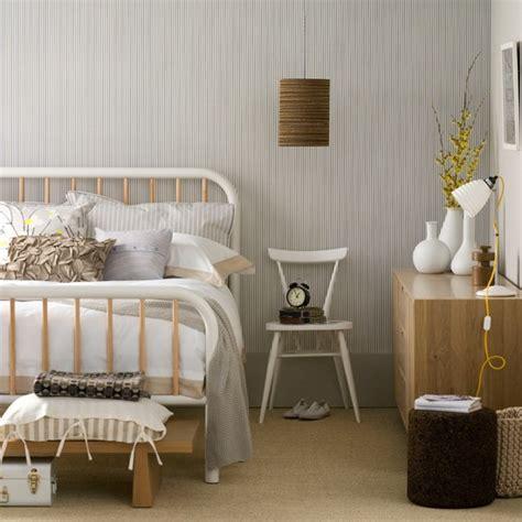 Neutral Bedroom With Monochrome Wallpaper Bedroom
