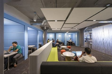 Twitters New Headquarters In San Francisco by Inside S San Francisco Headquarters Office Snapshots