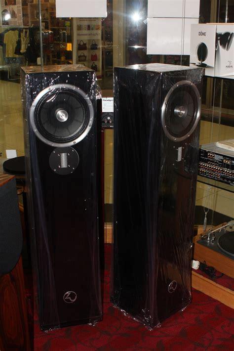 Zu and Kudos speakers