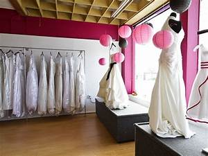 Your guide to shopping for a cheap wedding gown for Wedding dress consignment shops