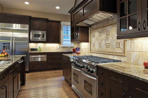 bekijk afbeeldingen uit de rubriek keukens