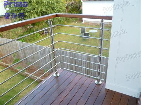 Modern Balcony Stainless Steel Railing Design With High