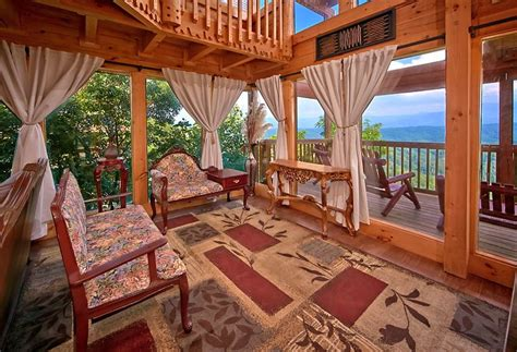 the majestic 8 bedroom cabin rental in pigeon forge tn