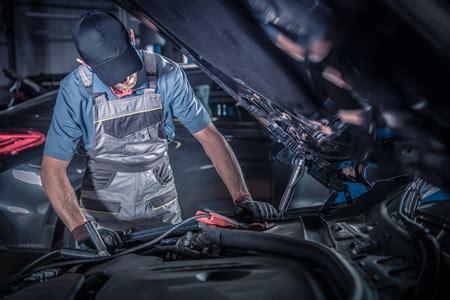 Auto Mechanics & Asbestos Exposure | Mesothelioma Lawyers | RMQ Law Firm