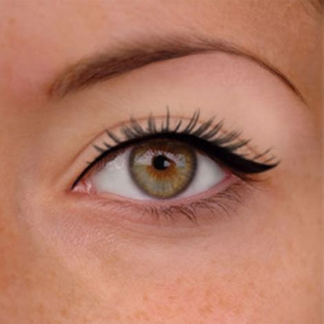how to apply eyeliner for beginners the