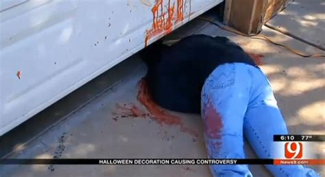 Gruesome Halloween Decor Results In Call To 911 Ny Daily