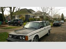 OLD PARKED CARS 1983 Volvo 245DL