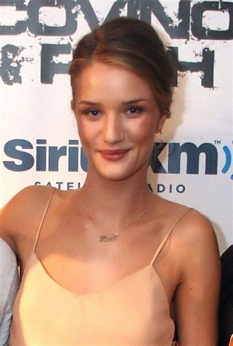 Rosie Huntington-Whiteley Measurements, Bra Size, Weight ...