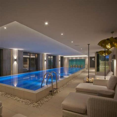 hotel ibis avec piscine interieure la piscine int 233 rieure un luxe un r 234 ve une installation de sport archzine fr