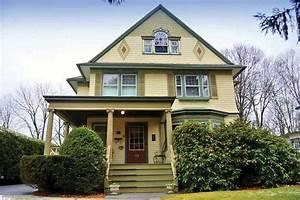 Historic Victorian Alert: Kingston's Hutton House