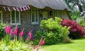Cottage Garten Anlegen : gartenwege anlegen gartenwege pflastern oder gartenwege gestalten mit kies und rindenmulch ~ Markanthonyermac.com Haus und Dekorationen