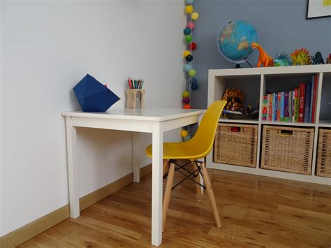 bureau maternelle fille bureau maternelle photo 3 7 pour la maternelle une simple table d 39 enfant