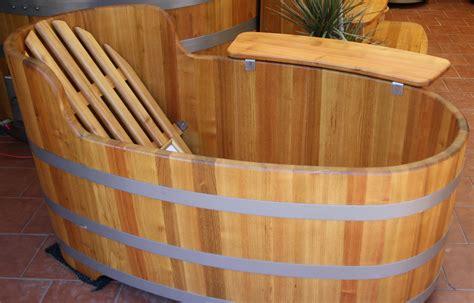 baignoire bois baignoire bois sur enperdresonlapin
