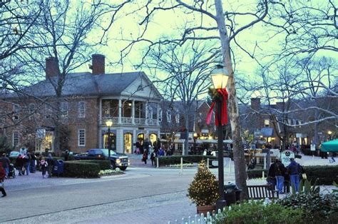 colonial williamsburg  christmas christmas  market