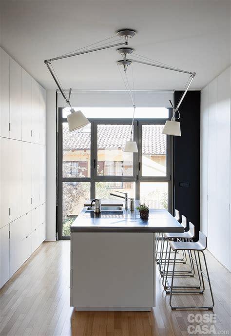 ladari da cucina artemide 60 50 mq una casa con elementi a scomparsa cose di casa