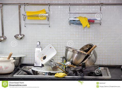 sur la cuisine ustensile sale sur la cuisine image stock image du