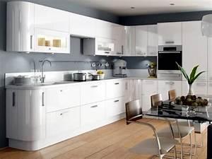 Modern high gloss kitchen in white – 20 dream kitchens