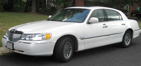 1992 LINCOLN TOWN CAR - Image #5