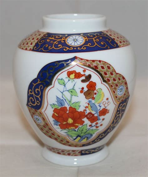 Navy Blue Flower Vases by Japanese Arita Imari Small Flower Vase 11cm 4 25 Quot