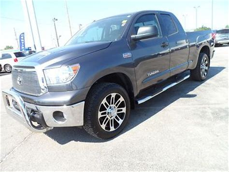 find   toyota tundra double cab  tss sport