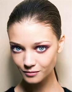 Maquillage Yeux Tuto : maquillage yeux bleus d couvrez un tuto efficace ~ Nature-et-papiers.com Idées de Décoration
