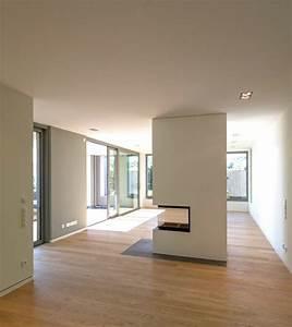 Raumteiler Wohnzimmer Essbereich : essbereich mit kamin raumteiler modern wohnbereich frankfurt am main von kleebach ~ Sanjose-hotels-ca.com Haus und Dekorationen