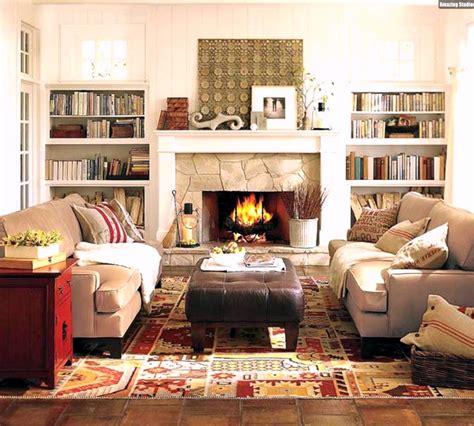 wohnzimmer beige braun gemütliches wohnzimmer einrichten kamin dekostoffe textilien beige braun
